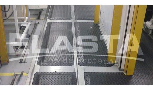 estrados-industriais-tapete-ergonomico-5