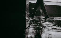 Formas de evitar acidente em ambientes constantemente molhados