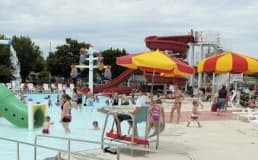 Qual melhor piso para parque aquático?