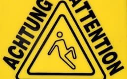 Pisos úmidos podem provocar acidentes. Não corra esse risco.