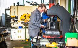 Entenda como a ergonomia precisa ser constantemente aprimorada em projetos e setores industriais para ter cada vez mais efetividade
