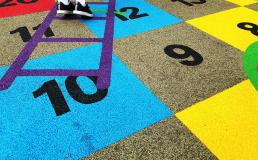 Veja qual é o piso para playground mais utilizado e saiba quais são os modelos mais seguros disponíveis no mercado